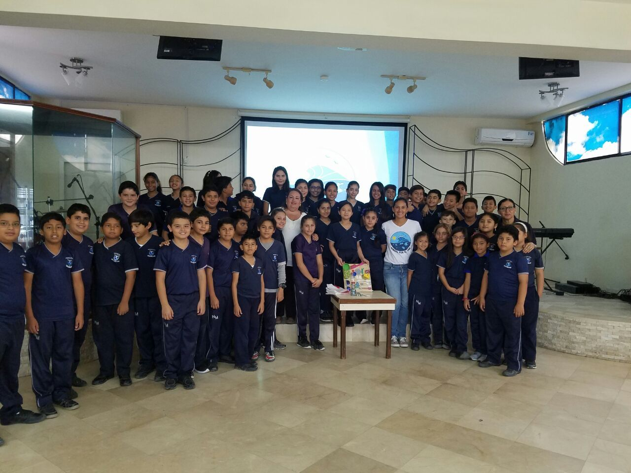 Charla - Unidad Educativa Nuevo Mundo