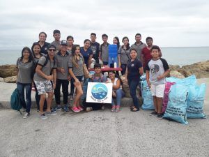 Voluntarios en Playa Larga