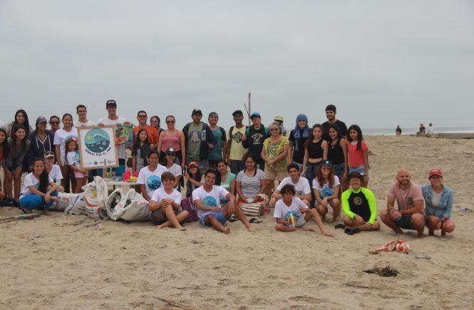 Voluntarios en Minga de Mar Bravo